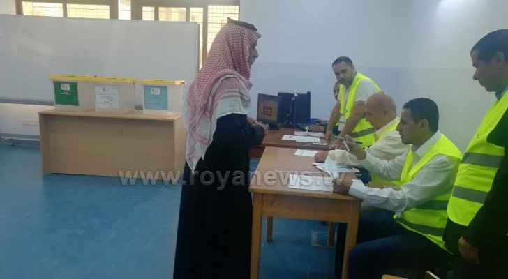 Muwaqqar municipal, governorate council voting launched
