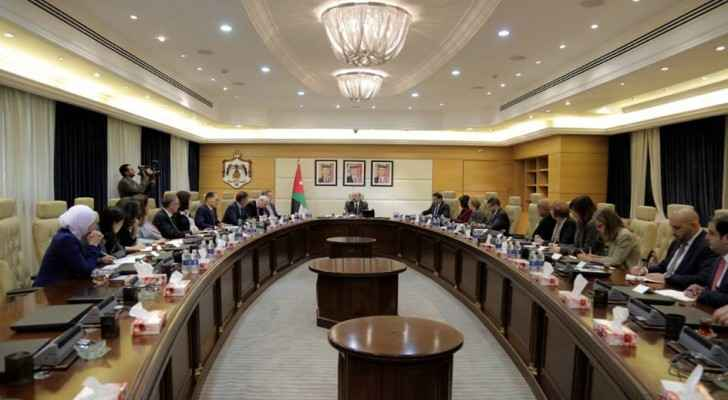 Omar Razzaz meeting with Jordanian ambassadors to G7 countries