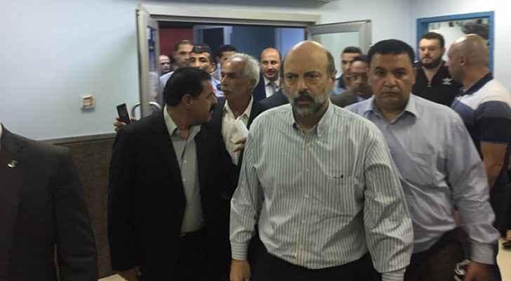 Razzaz visits South Shouna hospital, checks on injured