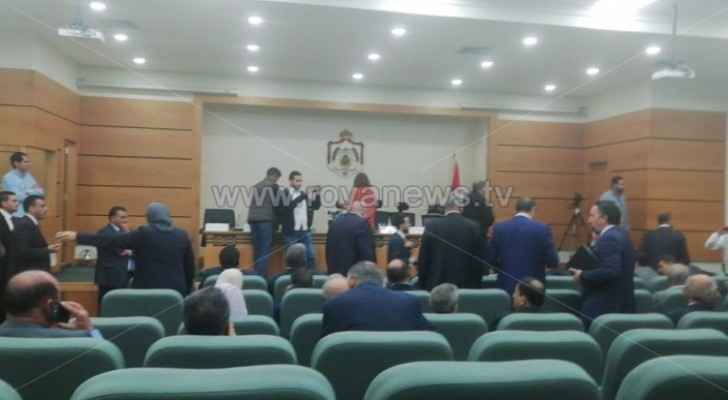Ministers discuss Dead Sea Floods' case with Parliament Members
