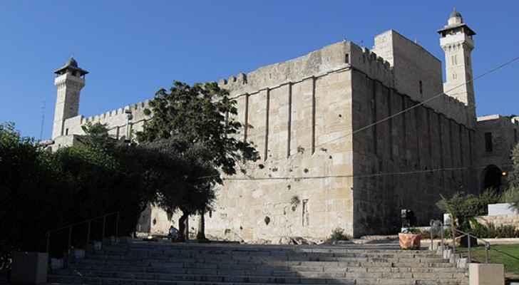 The Ibrahimi Mosque (Wikipedia)