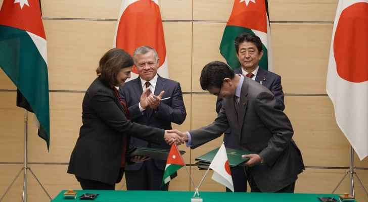 King Abdullah meets Japanese PM, witnesses agreements' signing