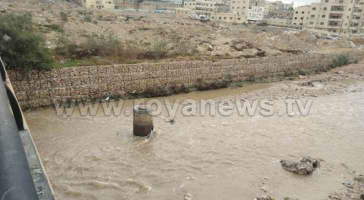 Sel al-Zarqa water level rises