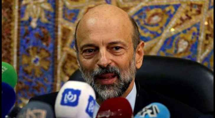 PM Razzaz asks 'Awqaf' to cancel decision on use of internal loudspeakers during sermons