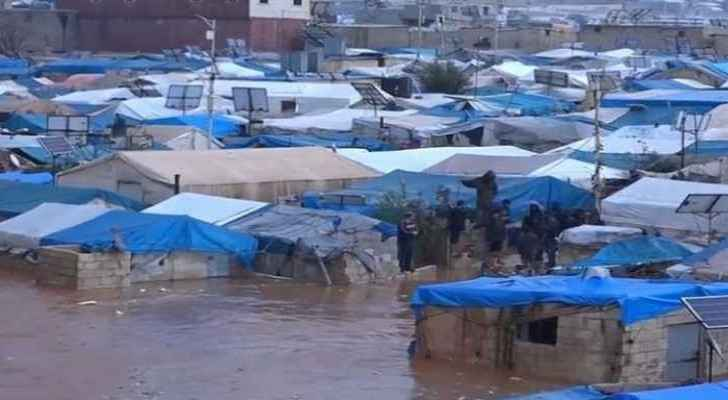 Heavy rain floods refugee camps in northern Syria - video