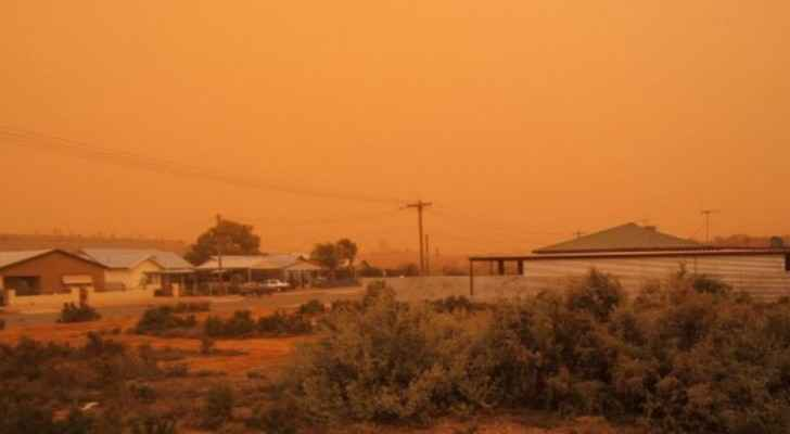 Arabia Weather warns of dust waves coming from Egypt
