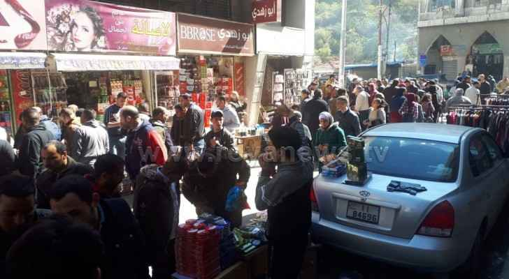 Jordanians participate in 'Yalla Al Balad' shopping campaign in Downtown