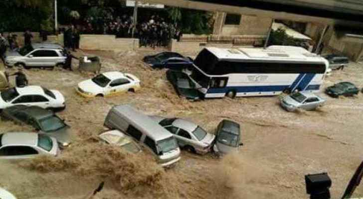 Razzaz receives reports on Downtown floods, vows action