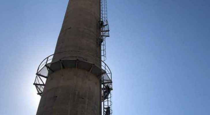 Employees at Jordan Phosphate Mines Company threaten of committing suicide