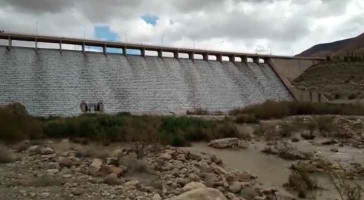 Video: For first time, 4 dams in Jordan flood at once
