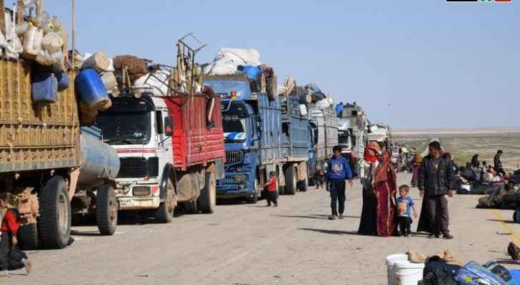 Hundreds of displaced Syrians arrive in Jlaighim corridor coming from Rukban camp