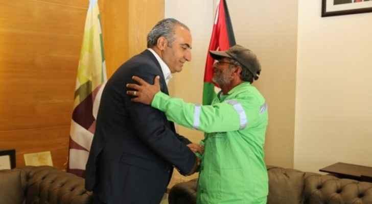 Amman's Mayor honors binman interviewed by Roya for Al Faza'a program