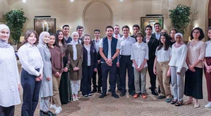 Crown Prince meets students who will compete in 2019 Intel Fair