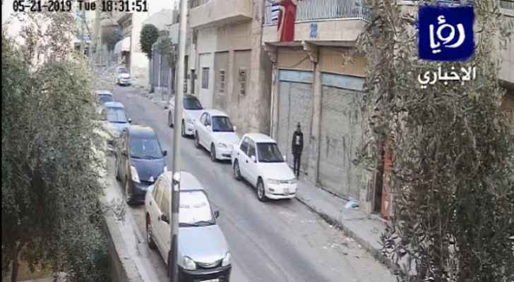 Video: Man steals car in Zarqa