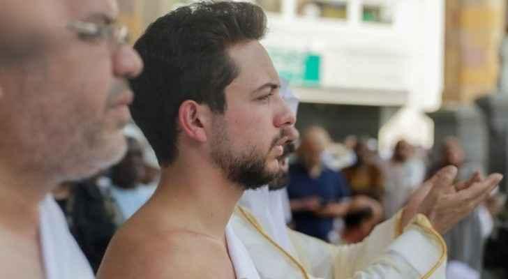 Crown Prince performs Umrah