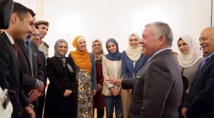 King meets group of young Jordanians 17 years after meeting them at Raghadan Palace