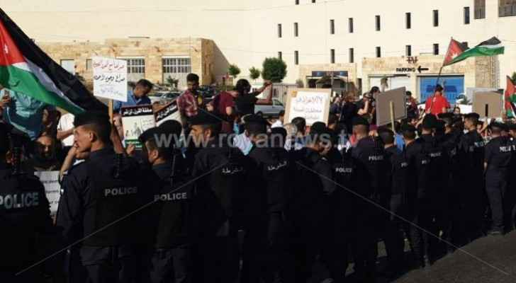 Video: Mass march launched from Abdoun to US Embassy in Amman against 'Deal of the Century'