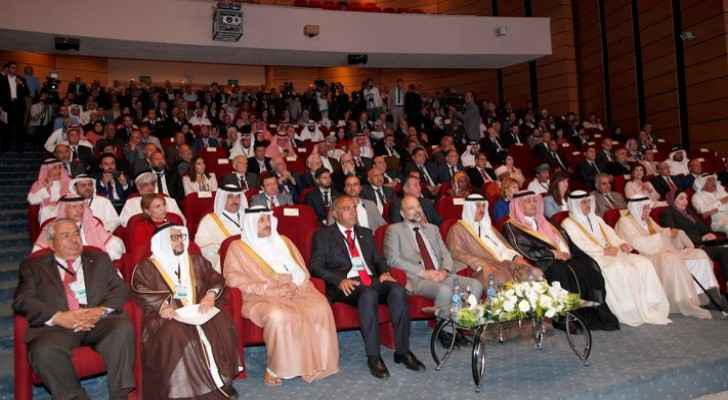 PM Razzaz patronizes Arab Towns Organization's conference