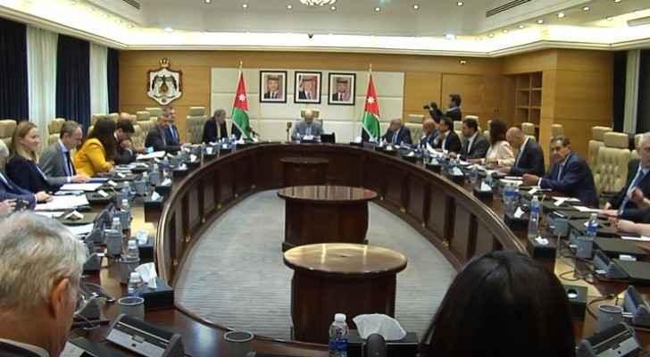 Razzaz, EU official discuss means to address Jordan's financial challenges