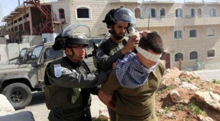 IOF arrest 23 Palestinians in West Bank