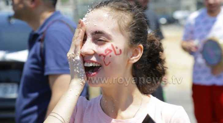 Photos, video: Tawjihi students celebrate their success