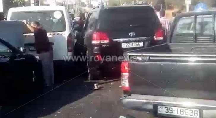 Video: Minor injuries in multi-vehicle crash in Na'ur