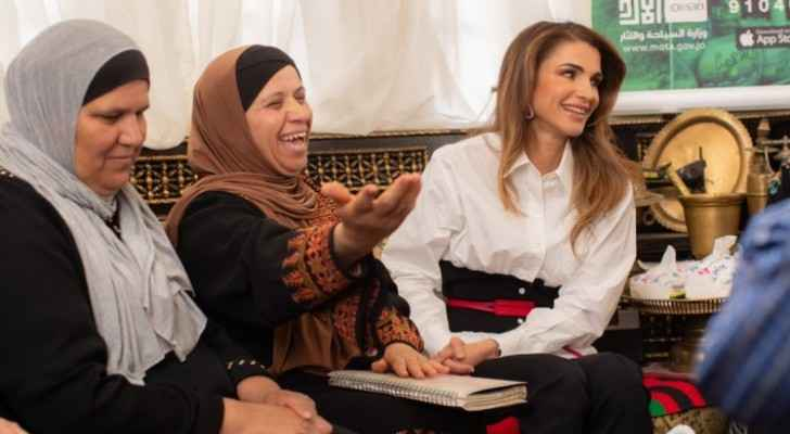 Queen Rania visits Salt, meets with its residents