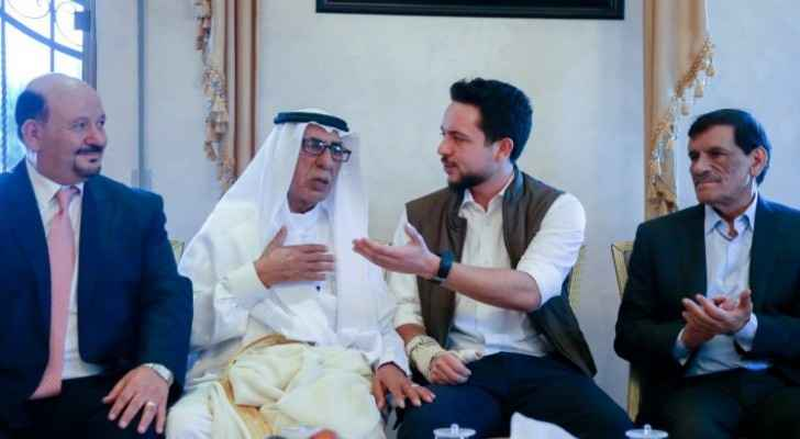 Photos: Crown Prince meets with Ajarmeh tribe leaders