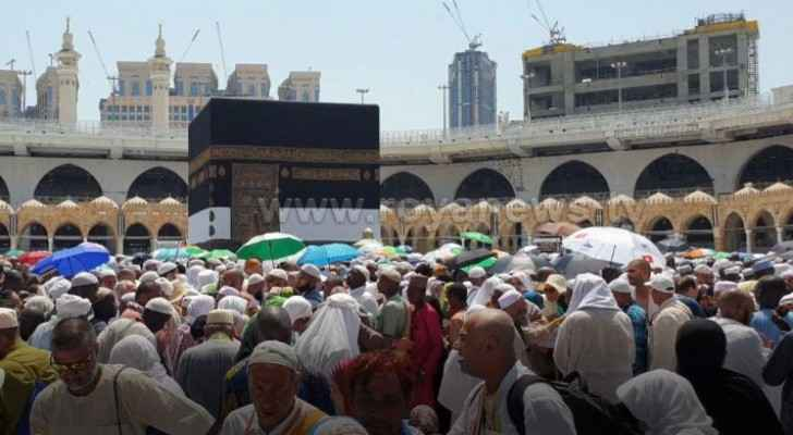 Roya cameras record video captures scene of pilgrims performing Tawaf during Hajj