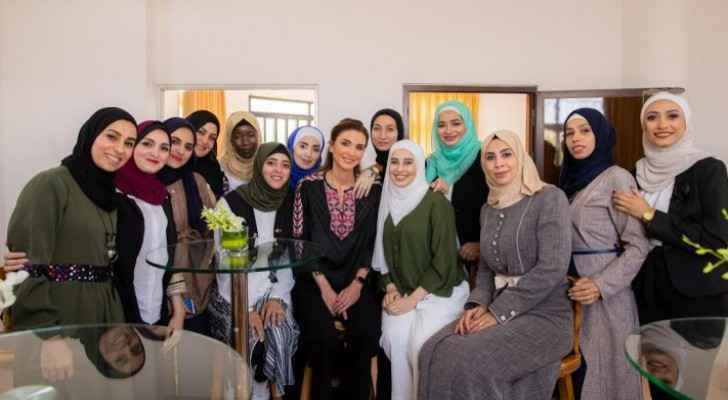 Queen Rania meets young social entrepreneurs, startup founders in Russeifa