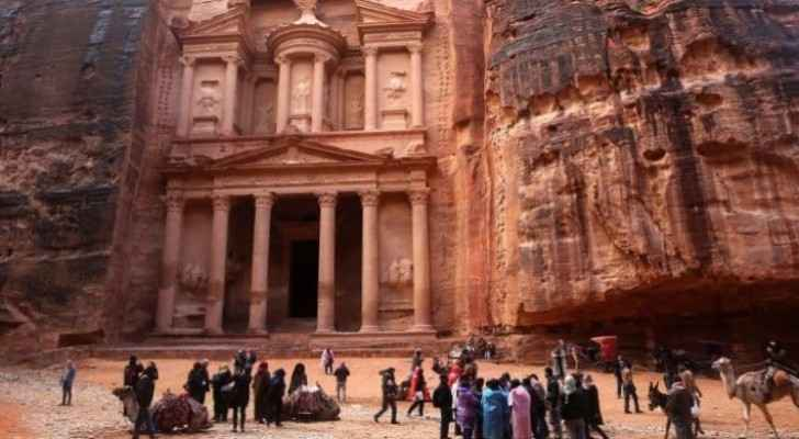 Opinion leaders, people refuse protests in Petra