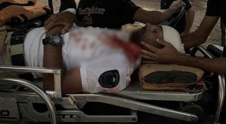 Roya's correspondent in Jerusalem: IOF brutally attack guard of Al Aqsa Mosque