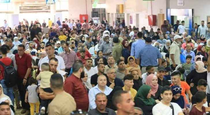 10,000 Palestinians leave Palestine through Karameh crossing during second day of Eid