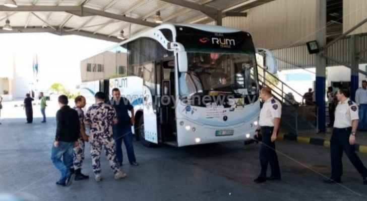 27 buses with 48 Palestinian pilgrims on board arrived in Jordan