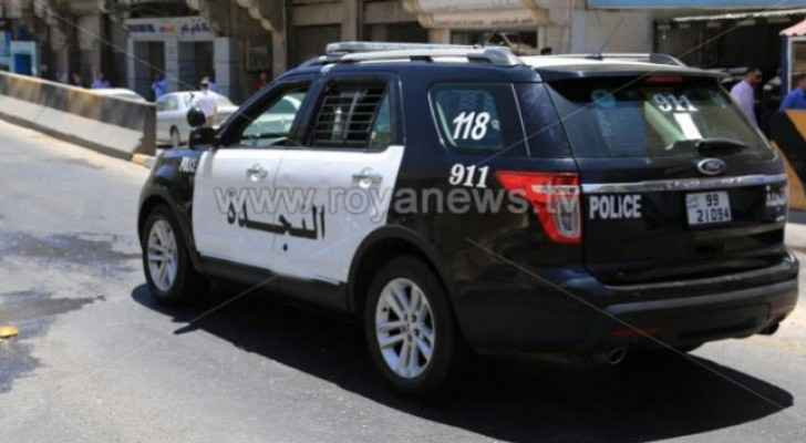 Three people arrested for robbing shops, houses in Balqa
