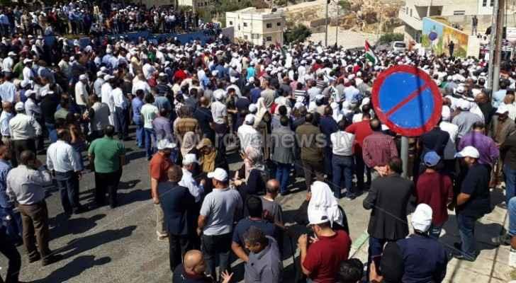 Video: Striking teachers in Karak stage march