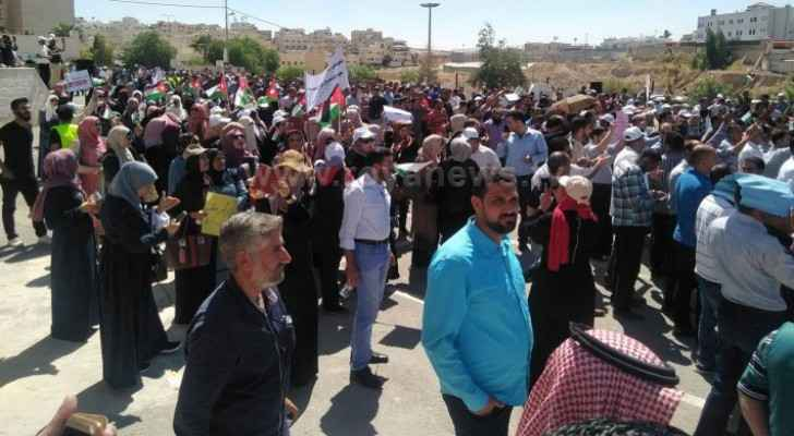 Photos: Striking teachers protest in Zarqa