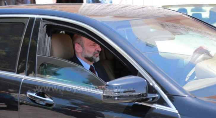 PM Razzaz orders crackdown on government vehicle misuse