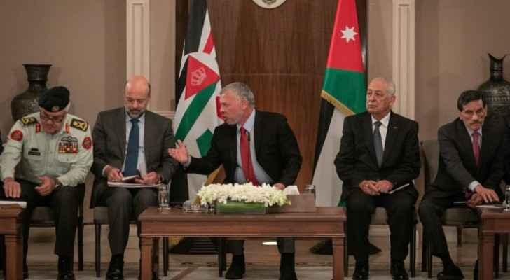 King meets Ajarmeh tribe representatives as part of Basman Forum meetings