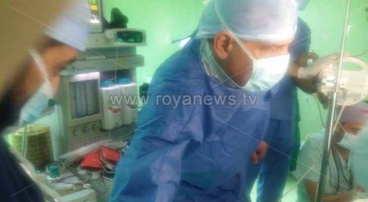 Health Minister joins doctors in surgery for injured in Jerash stabbing incident