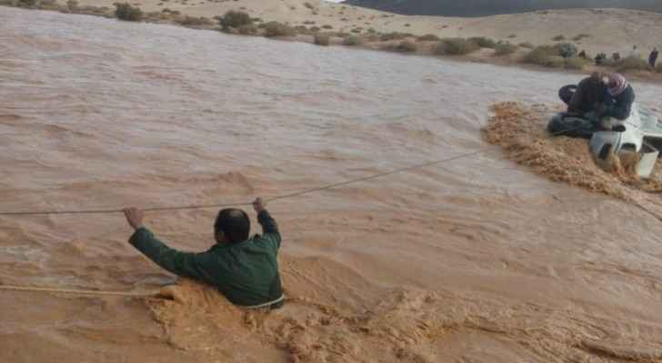 Four Arab nationals rescued after being trapped by water in Azraq