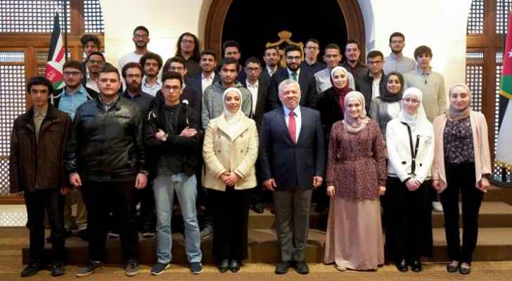 King meets university students who achieved high results in international programming competitions