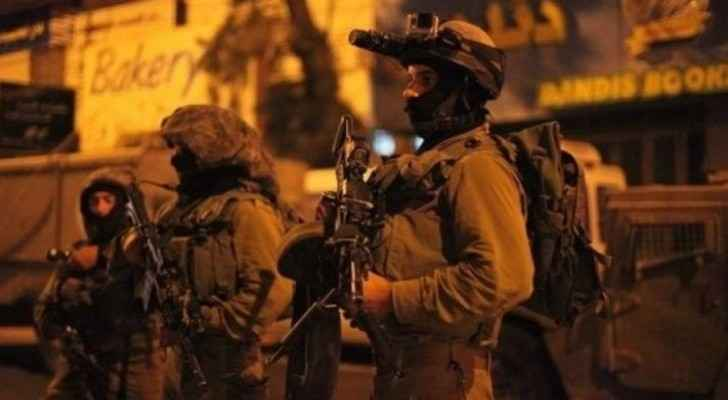 Israeli forces arrest 14 Palestinians in West Bank