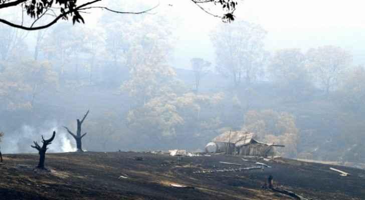 Australia bushfires flare as heatwave brings renewed misery