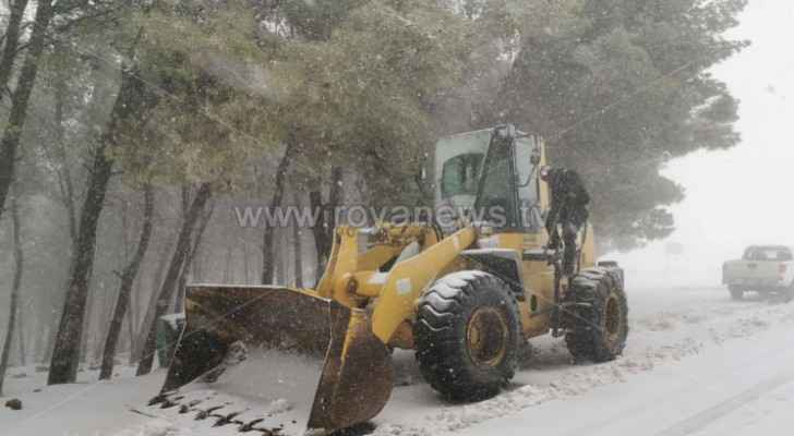 Video: Heavy snow blankets Rashadiyyah, Bsaira in Tafilah