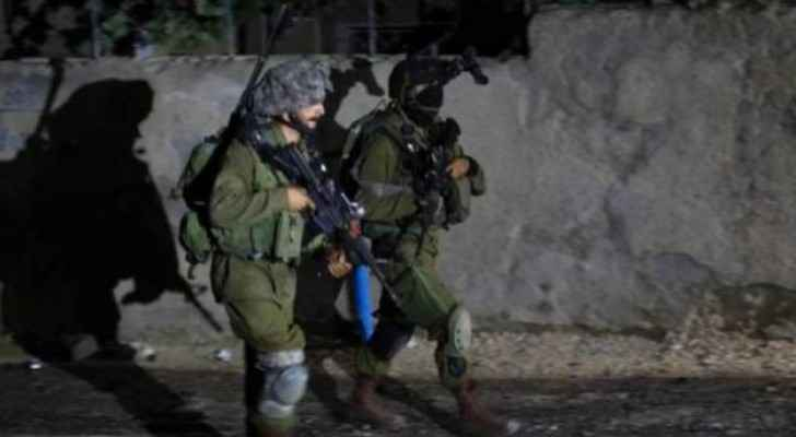 Israeli forces arrest 8 Palestinians in West Bank