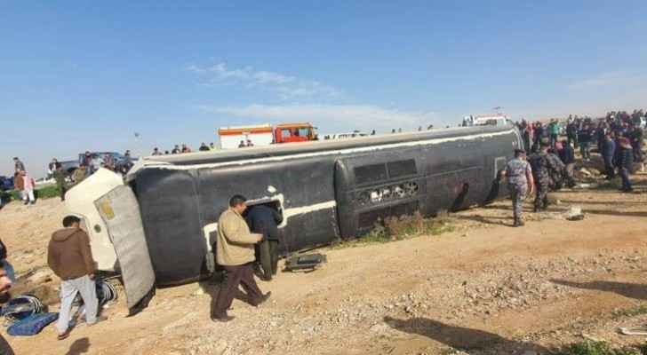 One dead, 37 injured after bus overturned on Zarqa-Mafraq road