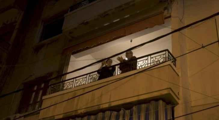 Lebanese applaud coronavirus-battling health workers from balconies