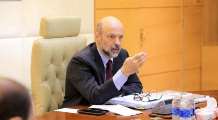 Razzaz talks of COVID-19 crisis, ways to address the pandemic