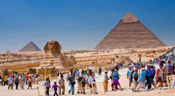 Egypt resumes tourism, reopens airports starting July